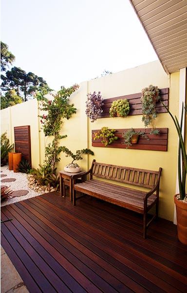 jardim vertical simples: como fazer um jardim vertical e deixar seu espaço muito mais bonito