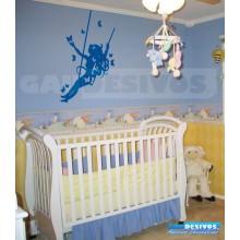 Adesivo de parede decorativo silhueta teen Balançando