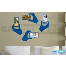 Adesivo Porta Retrato Kit com 4 Mão Segurando Moldura (Para Fotos Até 22x11)