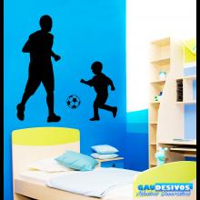 Adesivo Decorativo de Parede Esporte Pai e Filho Jogando Futebol